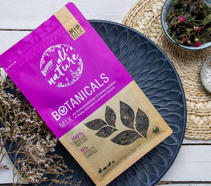 BOTANICALS MID MIX - Mix aus Brennnesselblättern & Kornblumenblüten Cover
